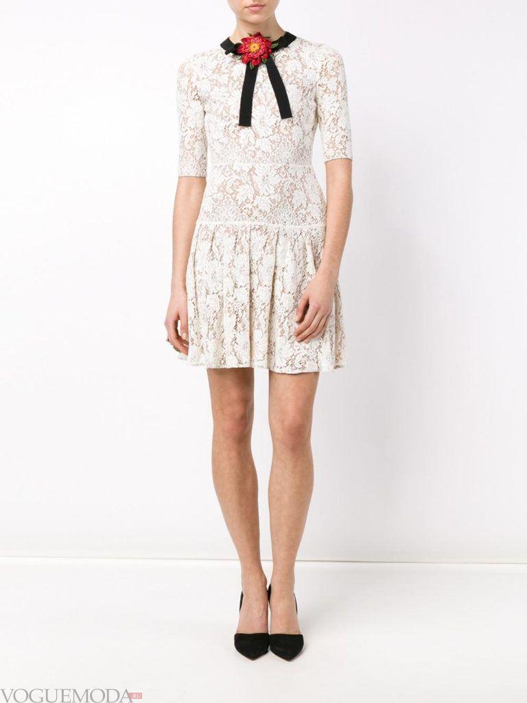 модное инфантильное мини платье кружевное