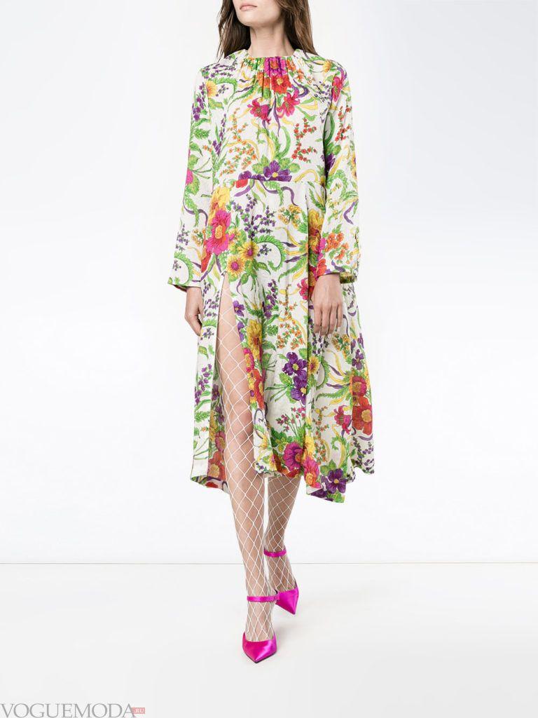 модное платье цветочным принтом светлое