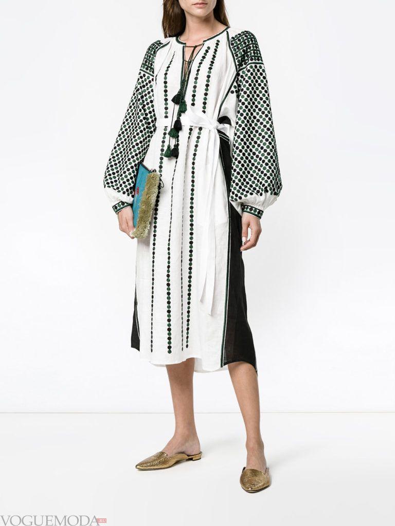 модное платье с вышивкой двухцветное