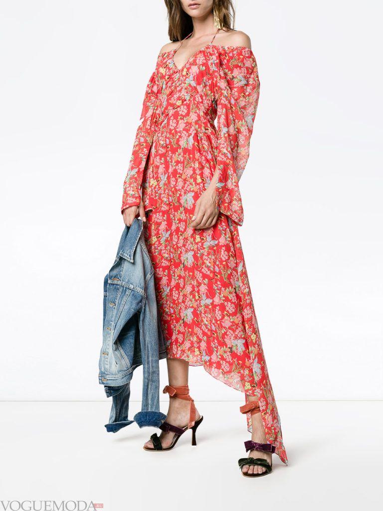 модное платье цветочным принтом красное