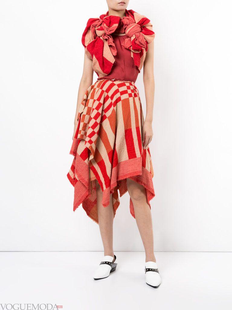 модное асимметричное платье яркое