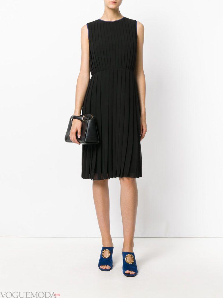 модное гофрированное платье черное