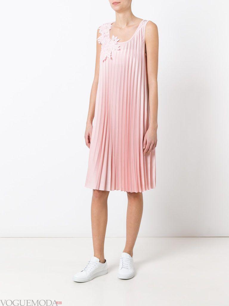 модное гофрированное платье розовое