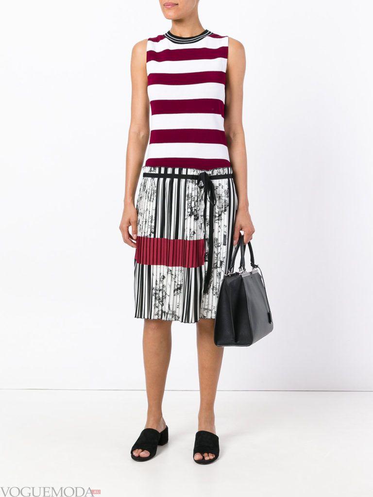 модное гофрированное платье цветное