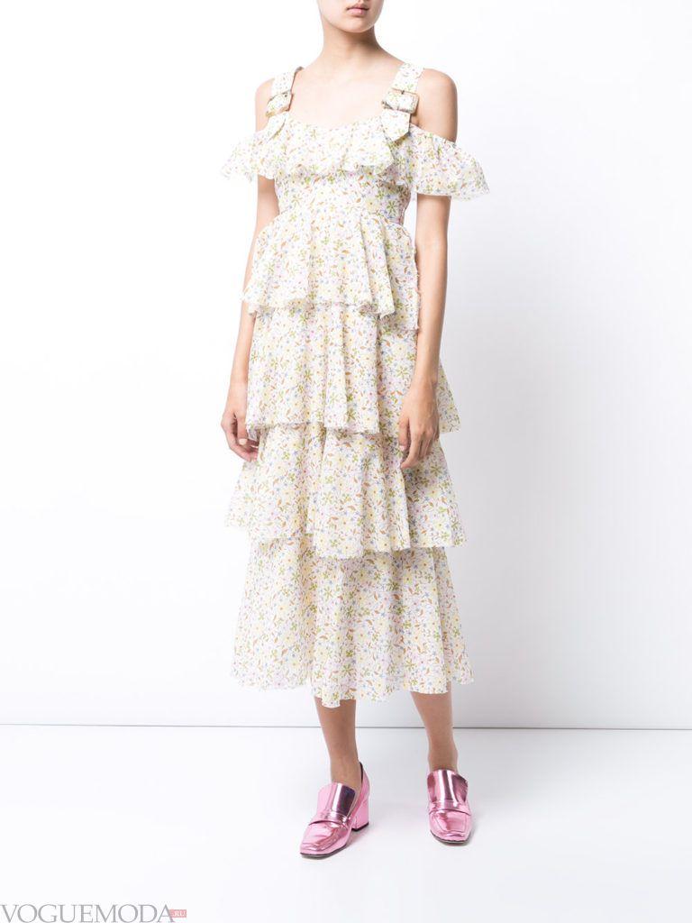 модное платье «смок» светлое
