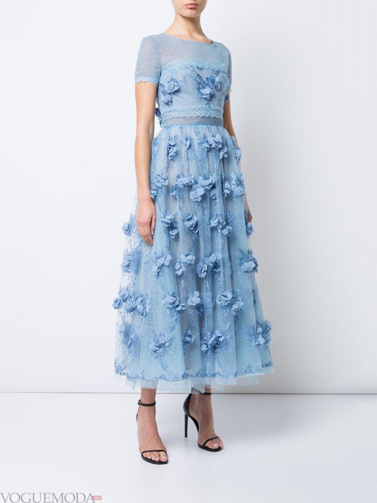 модное платье голубое