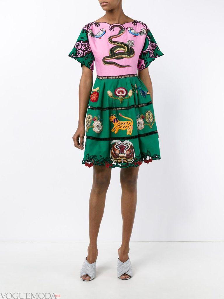 модное платье с изображением