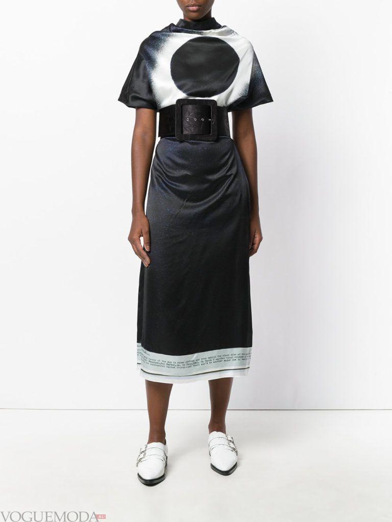 платье с графическим мраморным принтом