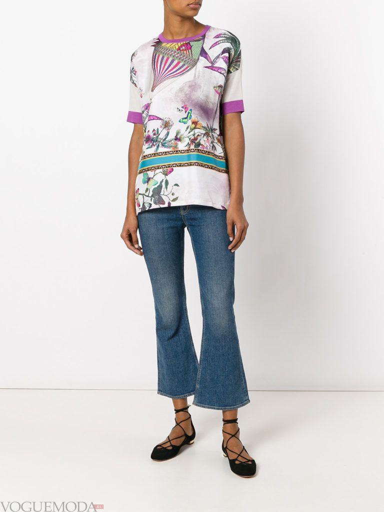 летняя блуза с абстрактным принтом