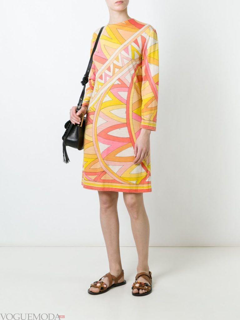 летнее платье с игровым принтом