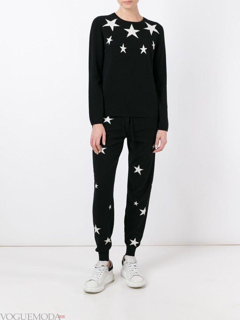летний костюм со звездами