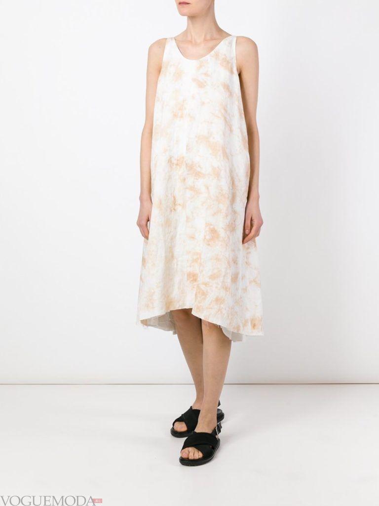 летнее светлое платье с принтом тай-дай
