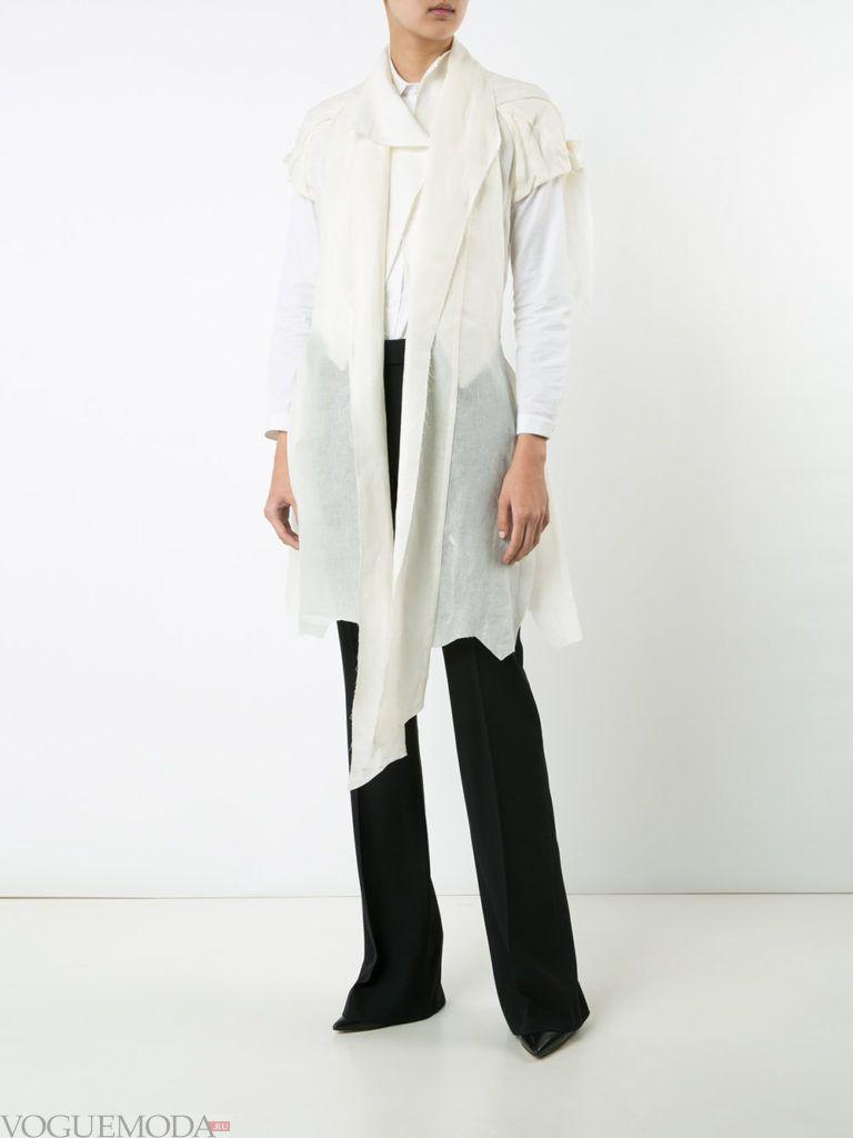 женский асимметричный белый жакет