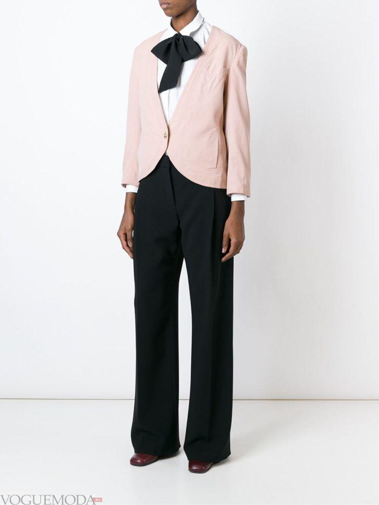 женский розовый жакет по минимуму застежек