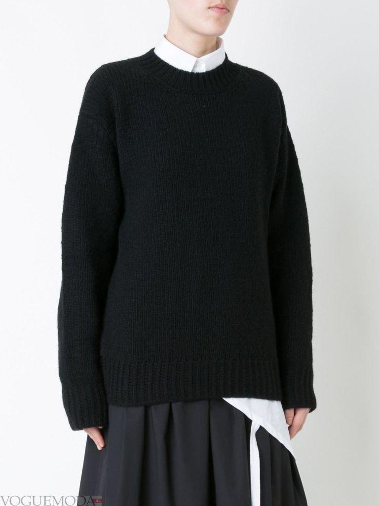 объемный свитер черный