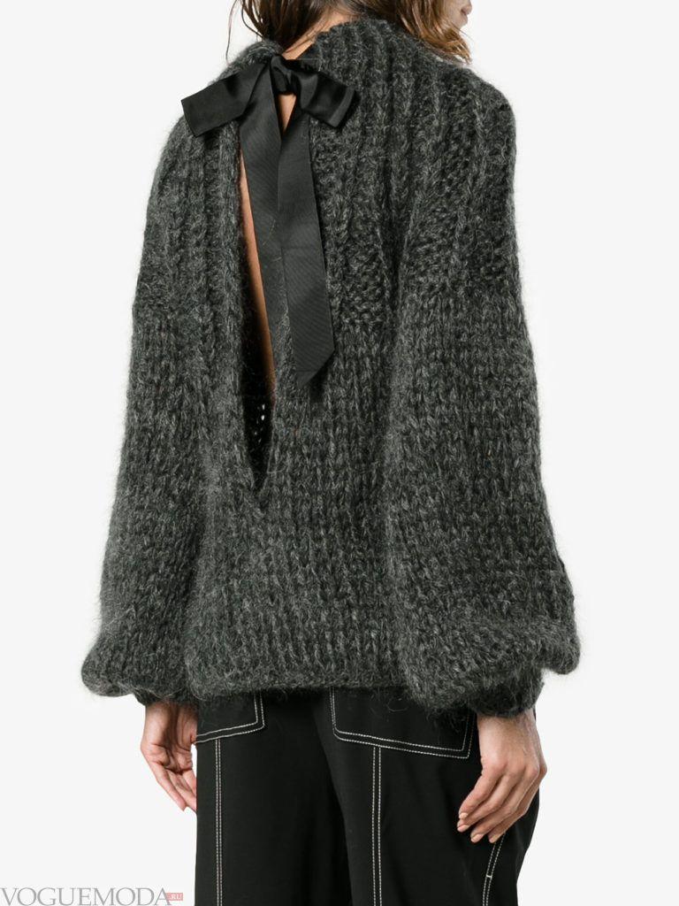 мохеровый свитер с декором