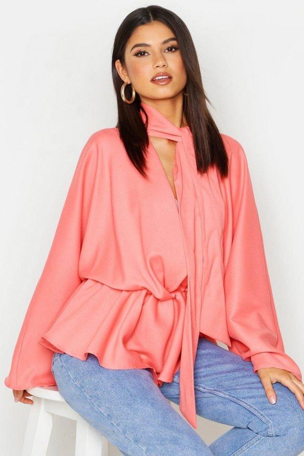 блузки 2019 2020 года: розовая с шарфом
