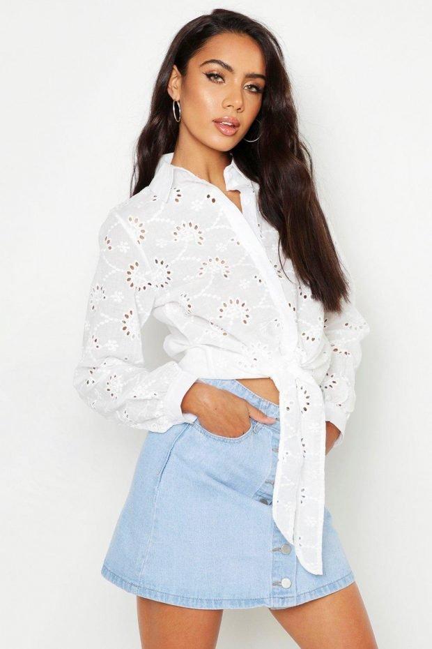 блузки 2019 2020 года: ажурная белая с поясом