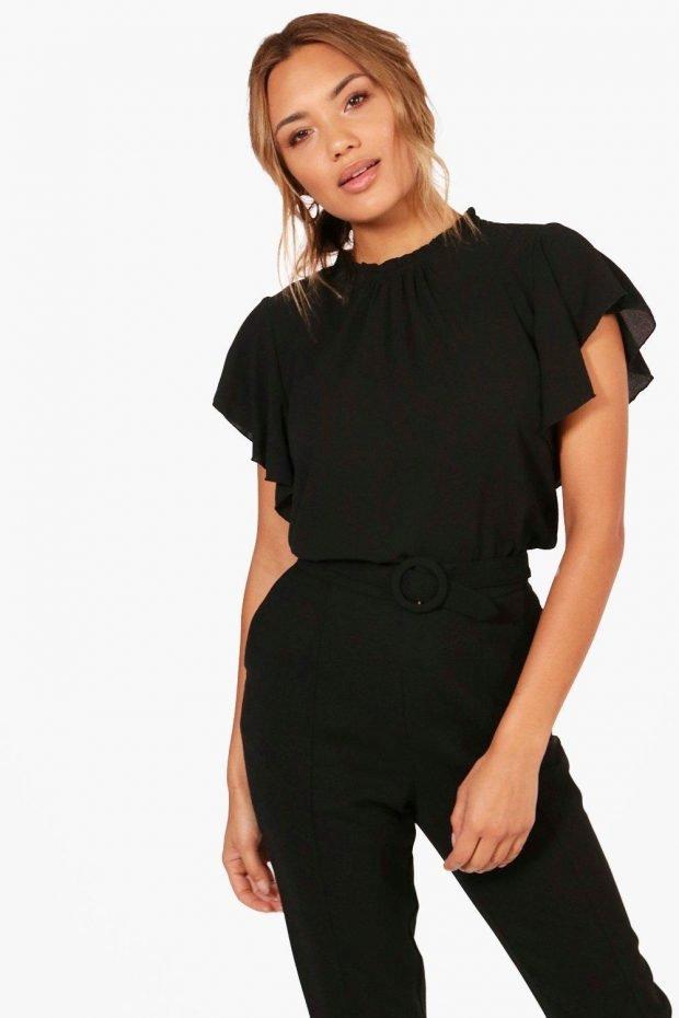 блузки 2019 2020 года: черная без рукавов