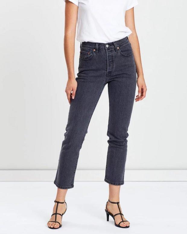 женские джинсы 2019 2020: темные укороченные прямые