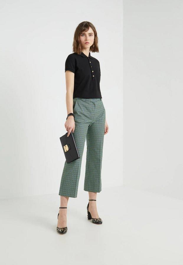 модные луки 2019 2020: брюки в клетку под черную рубашку