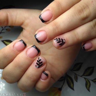 френч на коротких ногтях с орнаментом