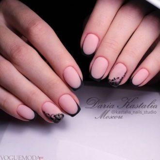 френч на коротких ногтях матовый