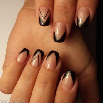 френч на коротких ногтях с треугольниками