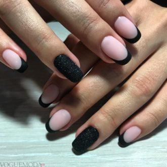 черные ногти модные