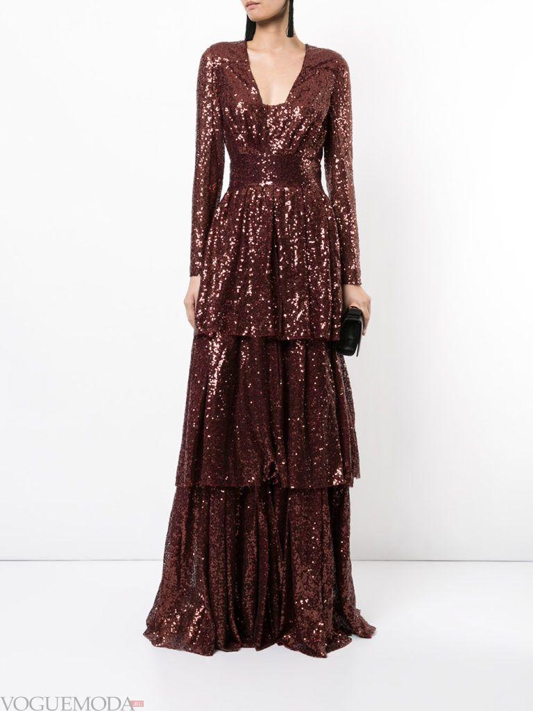 новогоднее платье с декором блестящее