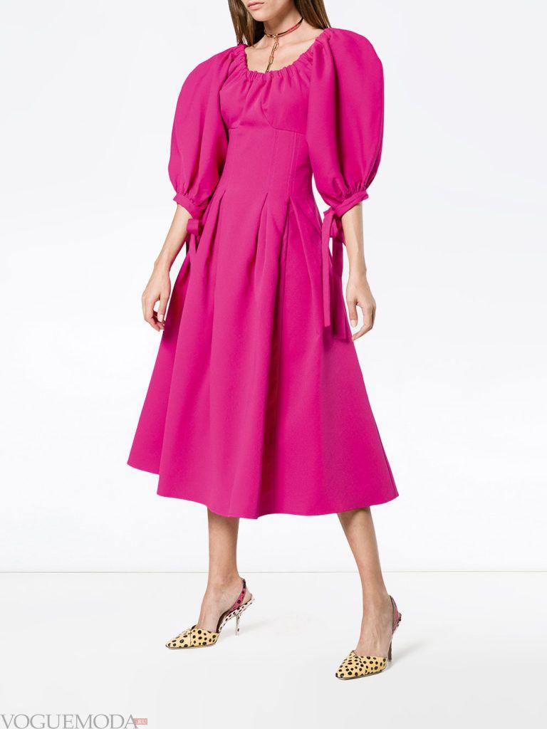 платье с пышной юбкой яркое