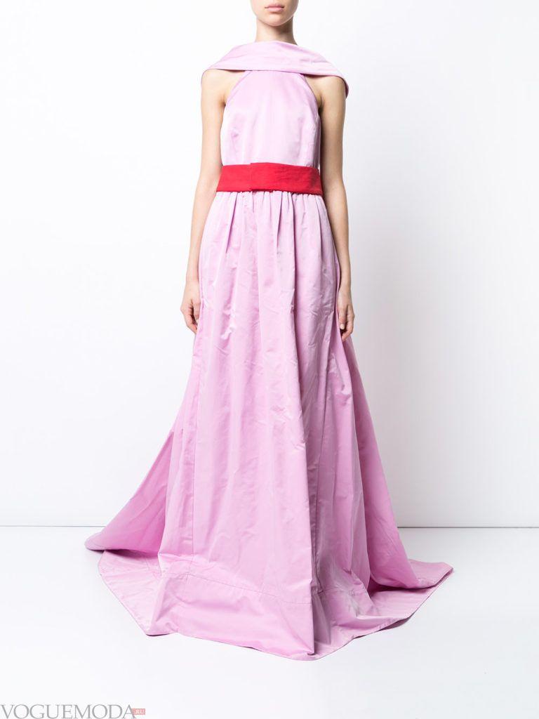 платье нежного оттенка длинное