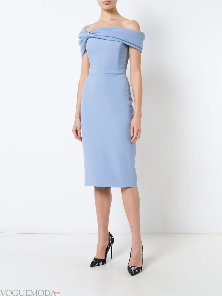 платье нежного голубого оттенка