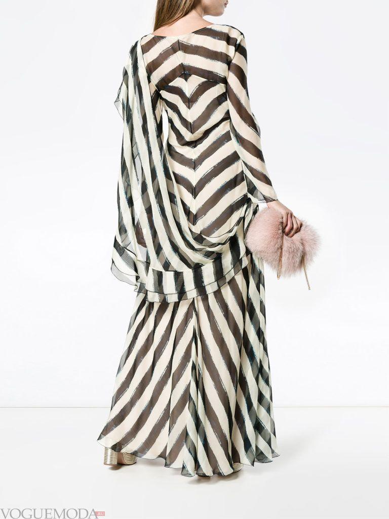 новогоднее платье в полоску из струящейся ткани