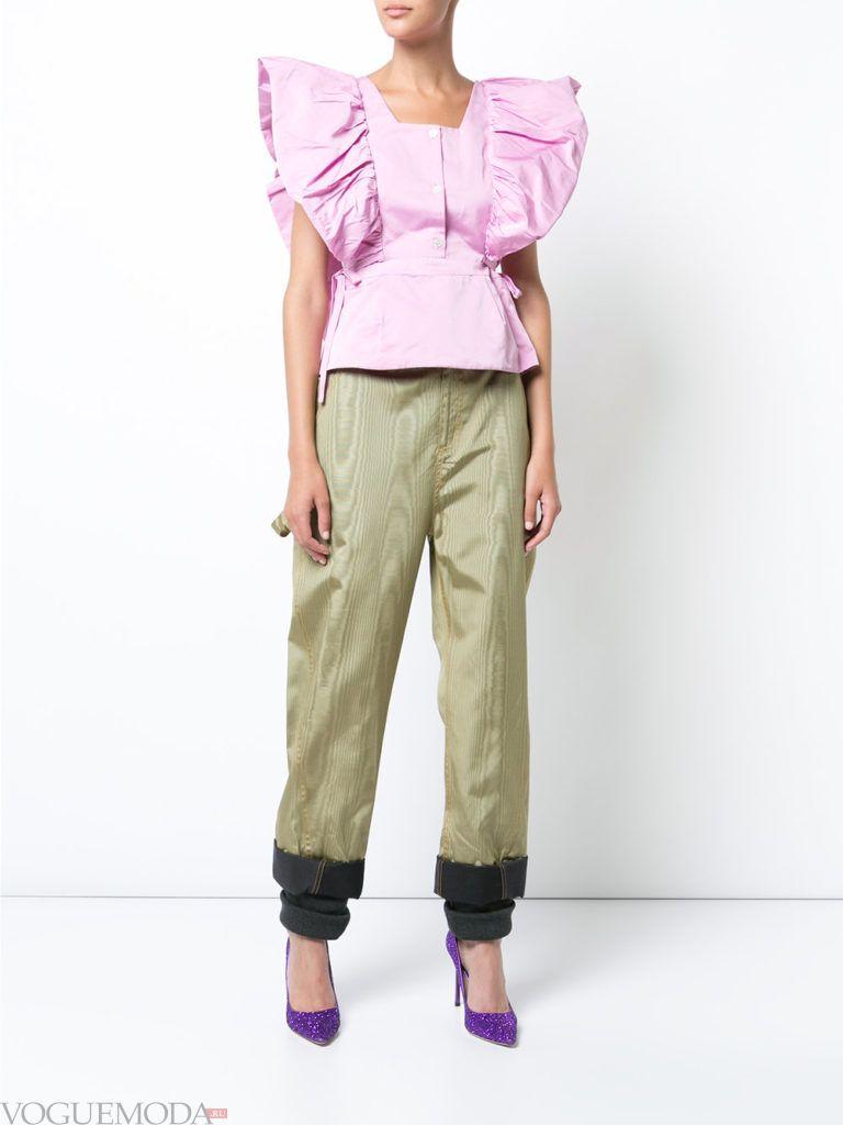 лук с фиолетовой блузой