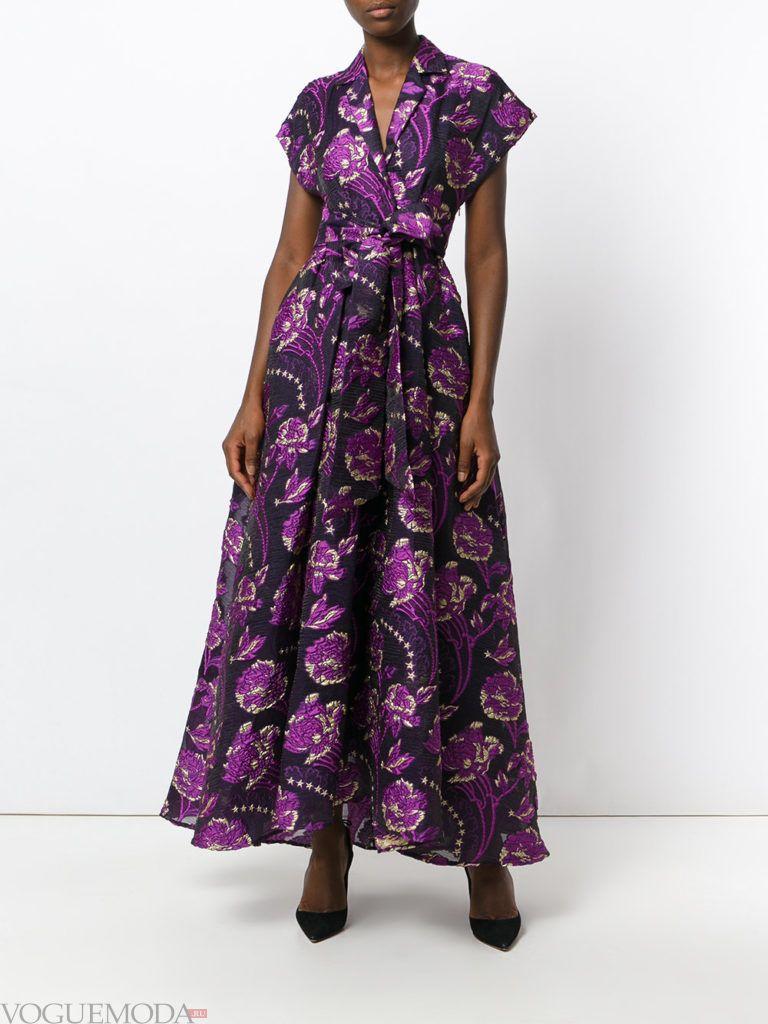 фиолетовое платье с принтом