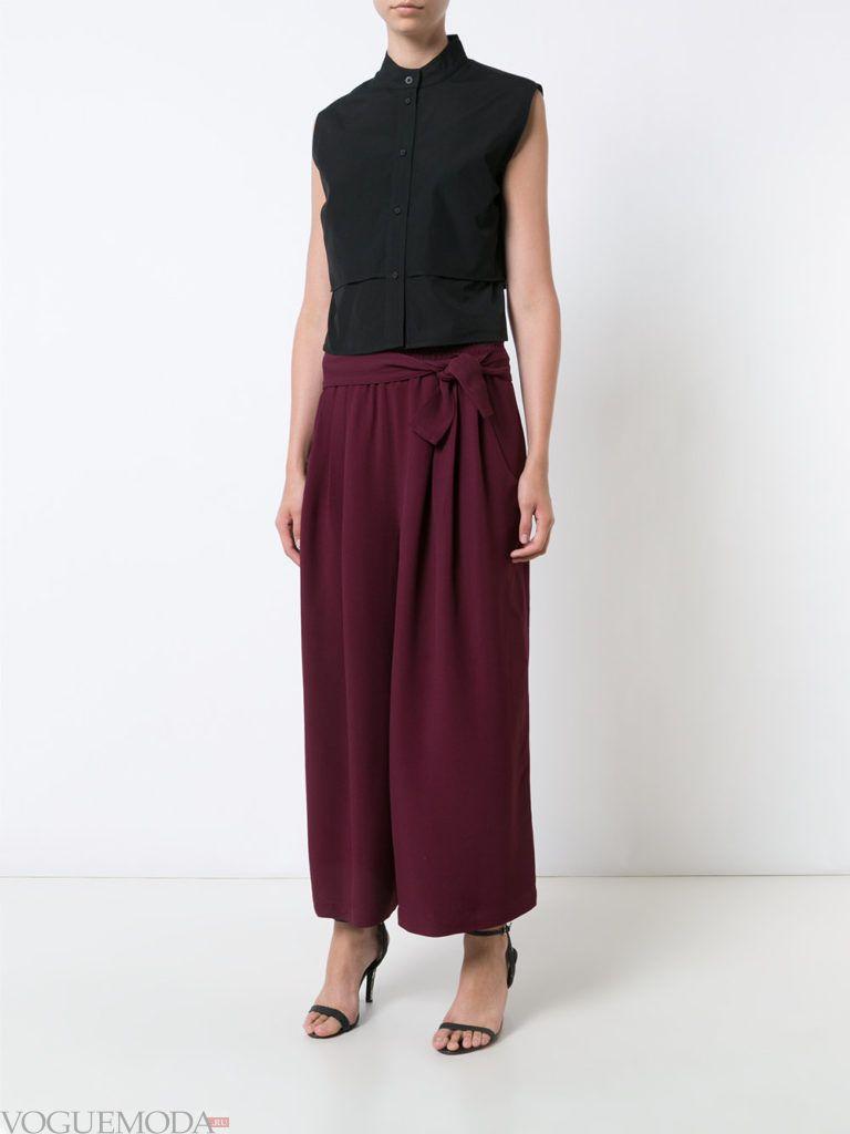 фиолетовые брюки с топом