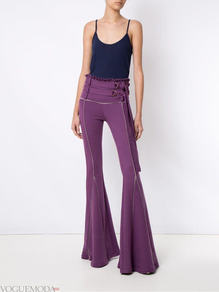 фиолетовые брюки клеш