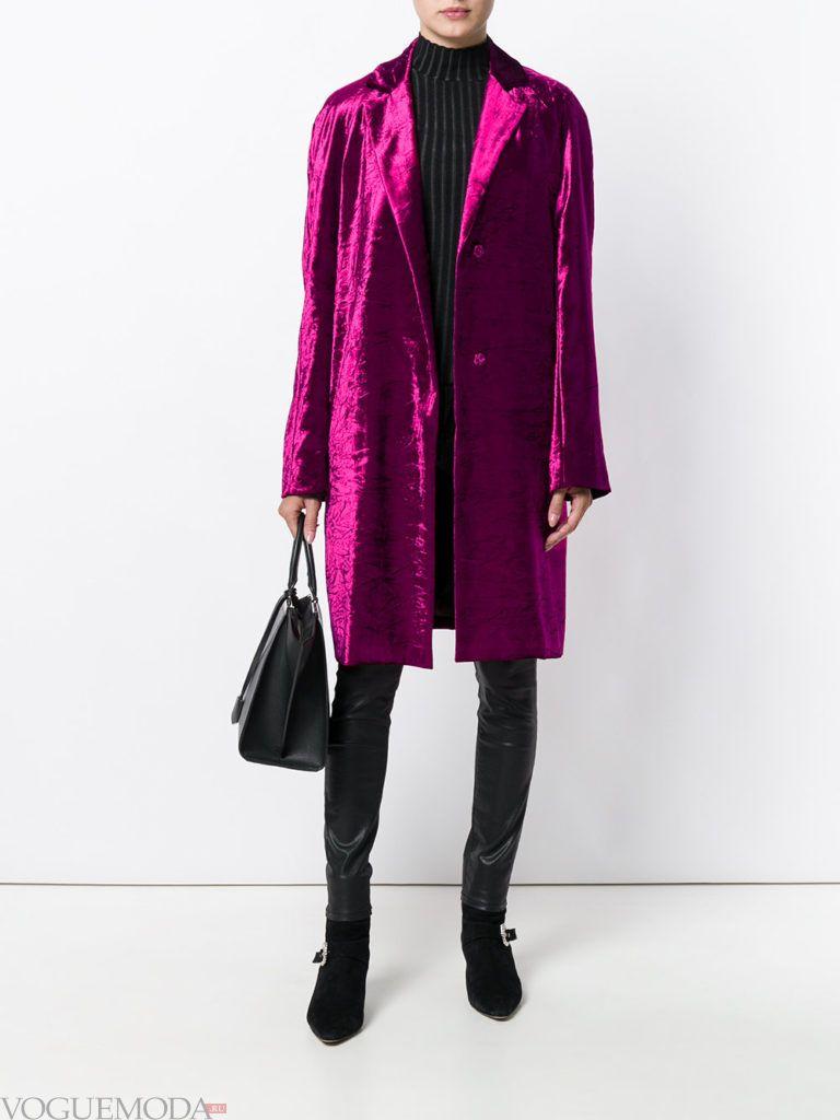 фиолетовое бархатное пальто