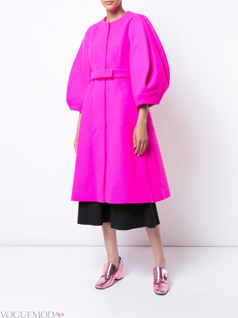 фиолетовое яркое пальто