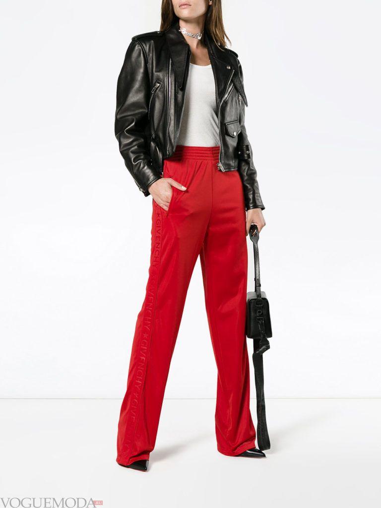 Женский спортивный стиль: брюки красные