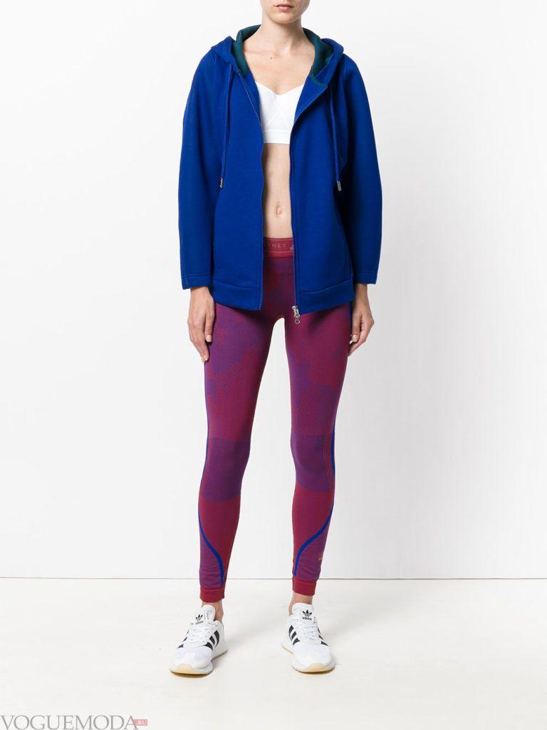 Спортивный женский стиль: лук от Адидас с леггинсами