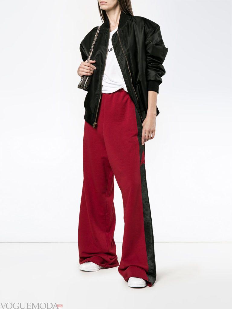 Женский спортивный стиль: брюки клеш