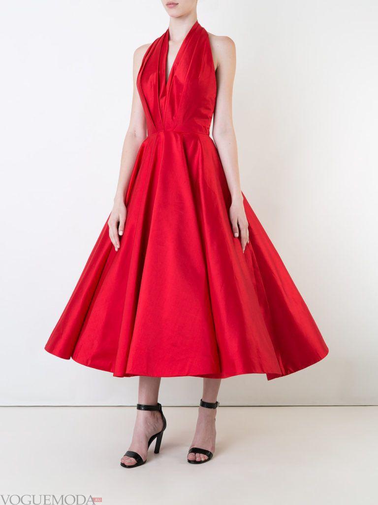 стильное платье жесткого силуэта красное
