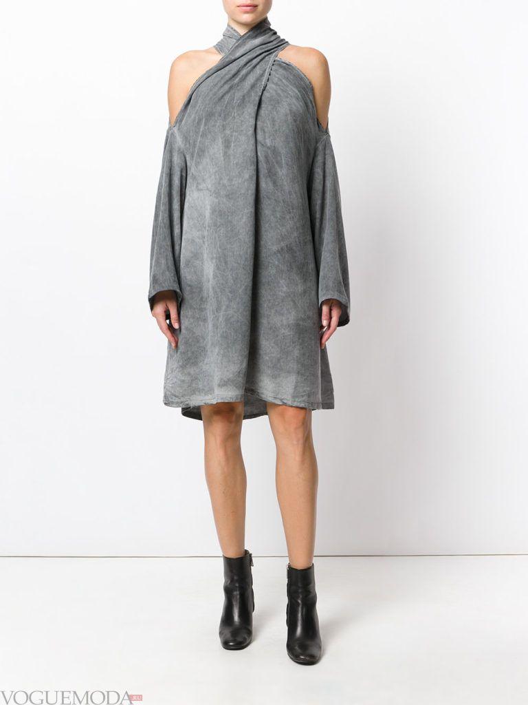 стильное платье серое