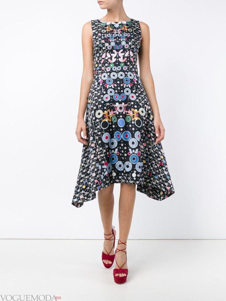 стильное платье с принтом