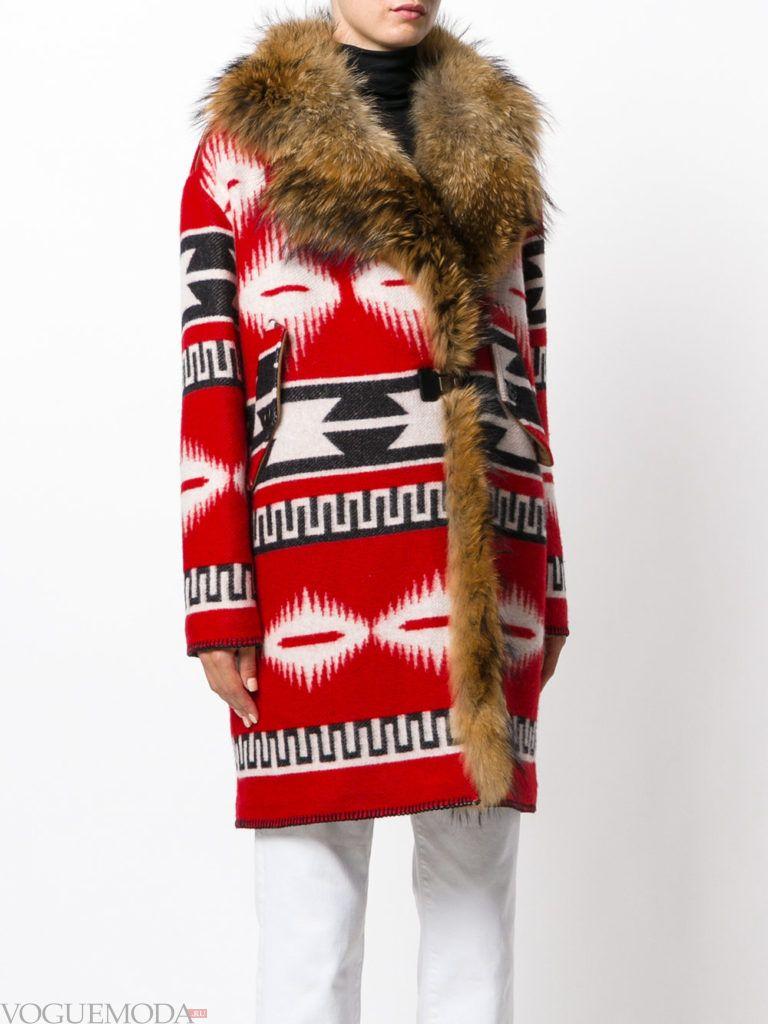 уличная мода пальто-оверсайз с мехом
