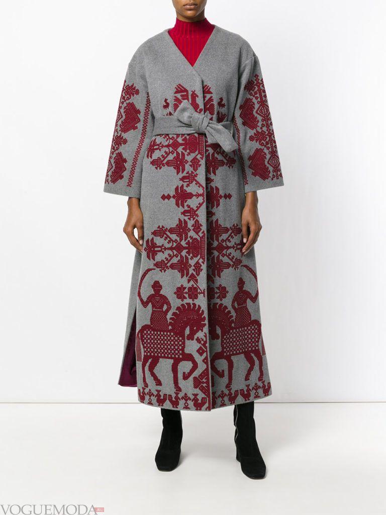 уличная мода длинное пальто с узором