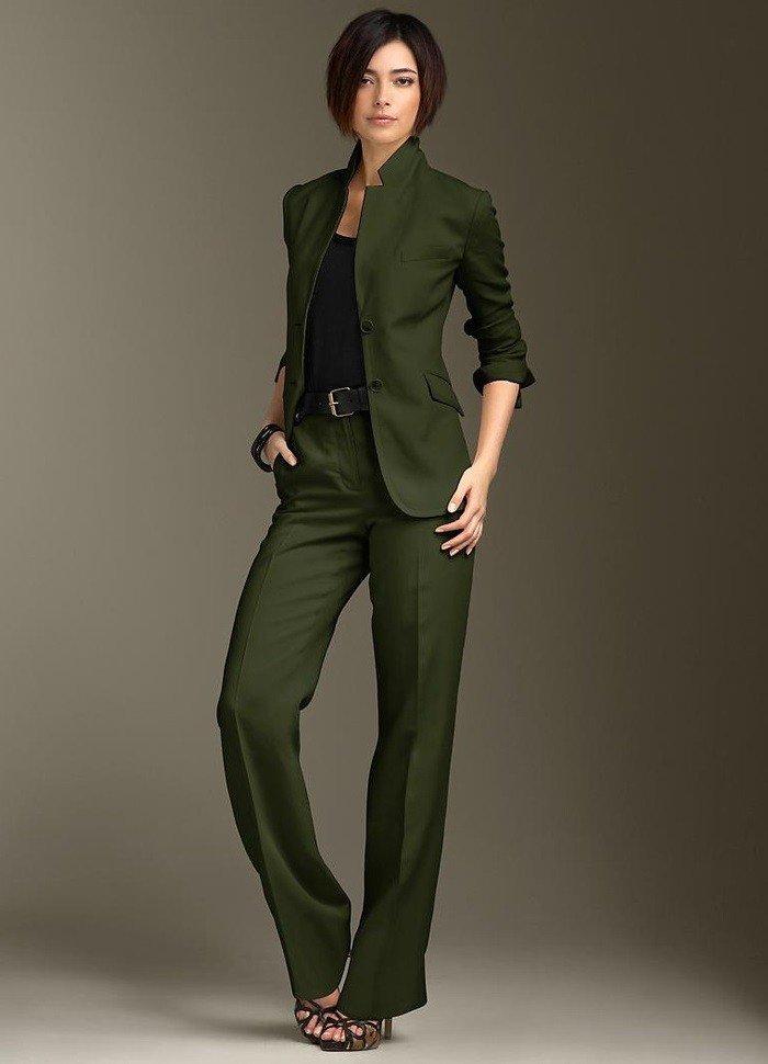 уличная мода брючный костюм зеленый