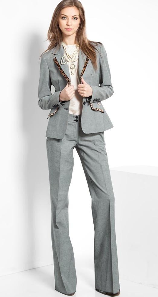 уличная мода брючный костюм серый